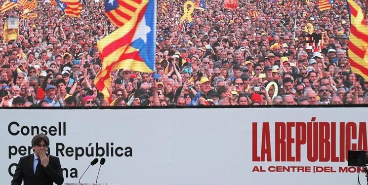 صدها هزار حامی استقلال کاتالونیای اسپانیا در جنوب فرانسه دست به تجمع زدند