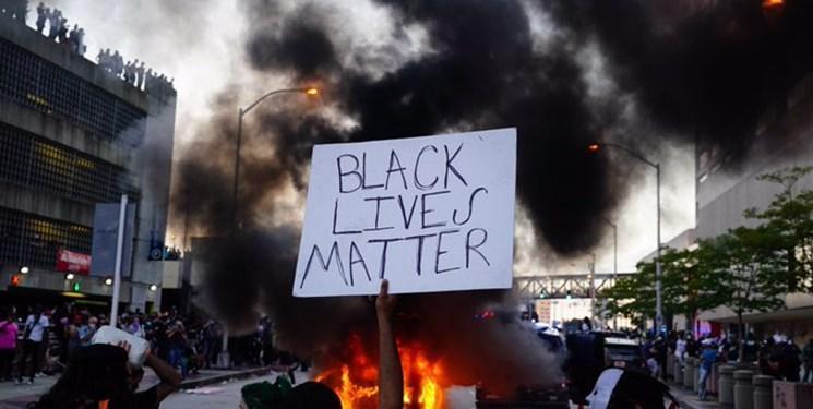 سی ان ان: در جریان ناآرامی ها در آمریکا یک مامور پلیس کشته شد