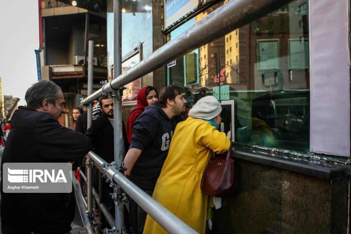 خبرنگاران روشنی چراغ سینماها با فروش روزی تقریباً 350 بلیت
