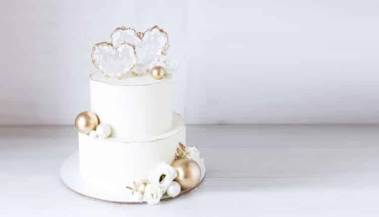 30 عکس کیک سالگرد عروسی و عقد جدید و شیک