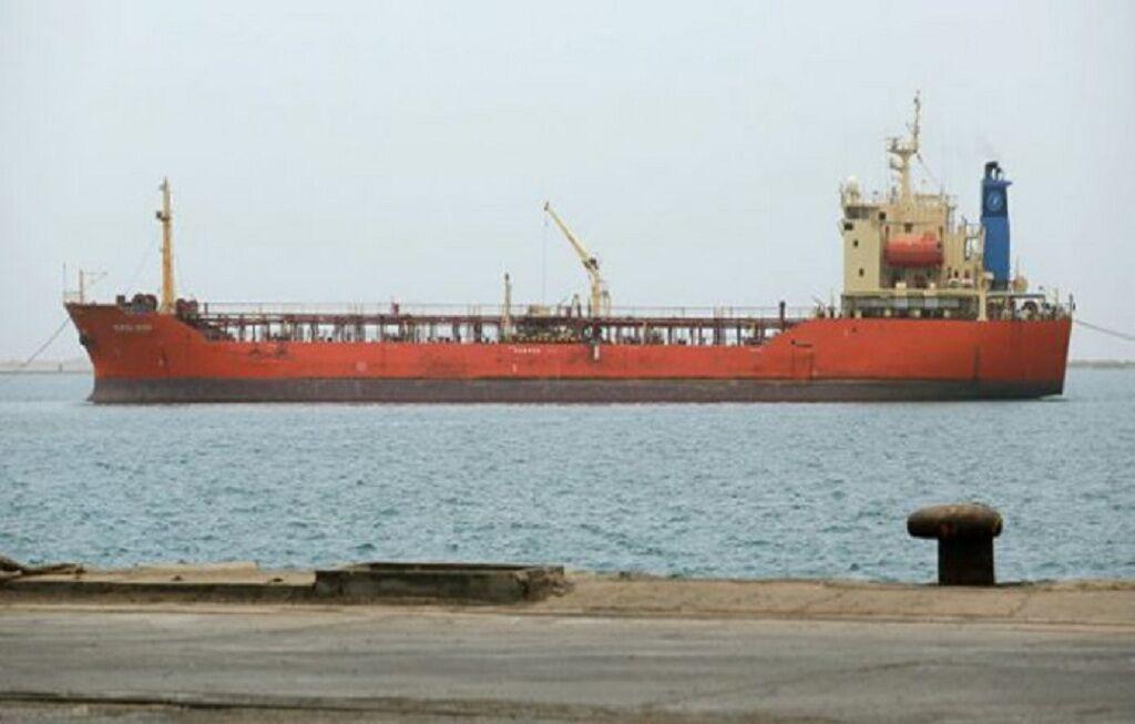 خبرنگاران توافق دولت صنعا و سازمان ملل برای تعمیر نفتکش صافر در غرب یمن