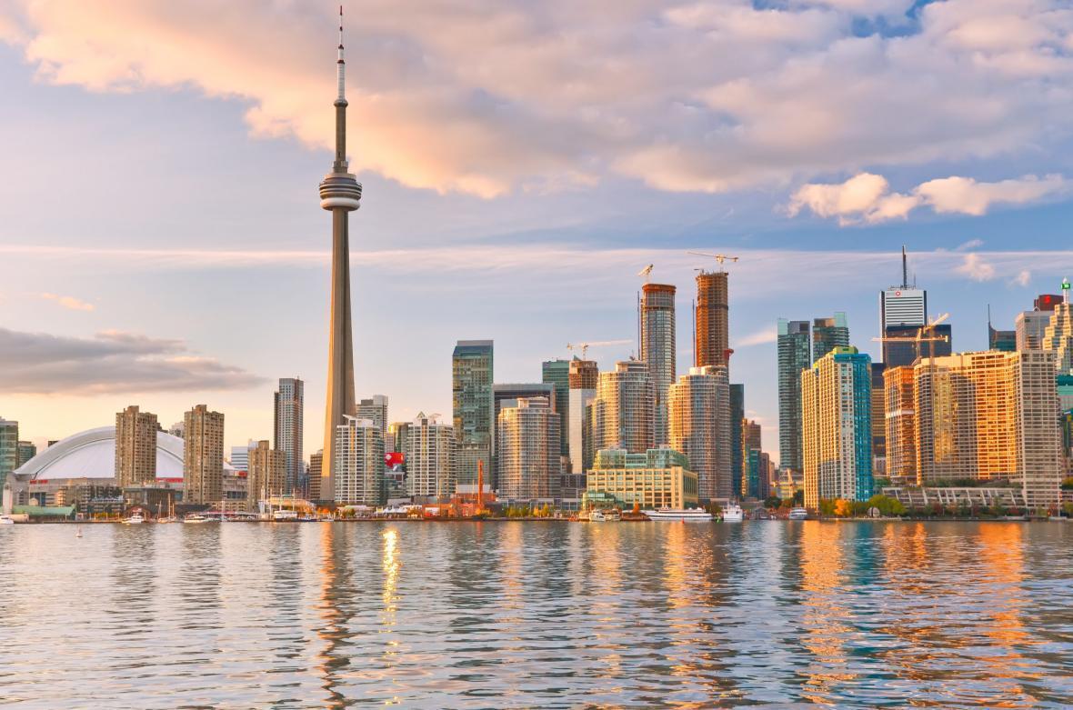 مقاله: تورنتو یا سنگاپور؟ برای زندگی یا مهاجرت کدام انتخاب بهتری است؟