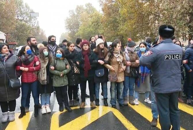 تظاهرات معترضان دولت ارمنستان برای برکناری پاشینیان