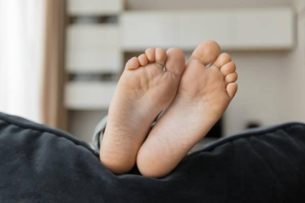 علاج گیاهی سوزش کف پاهایتان